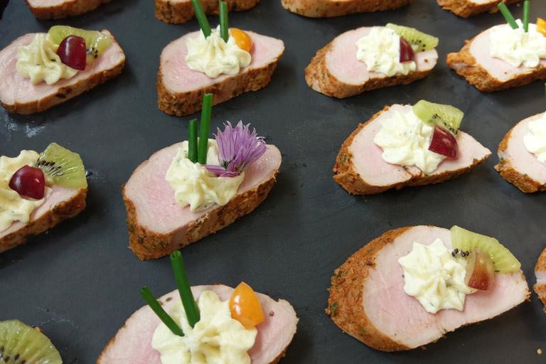 Köstliche Medaillons aus dem Fingerfood-Buffet von Partyservice Rode